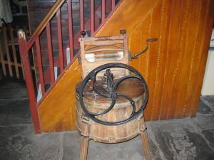 19. yy'a ait bir çamaşır makinası